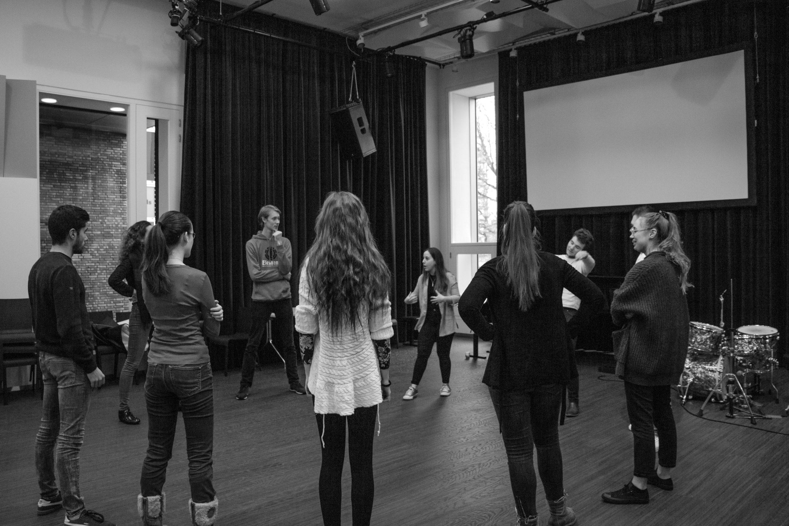 Workshop: Strengthening your Team through Improv (online)